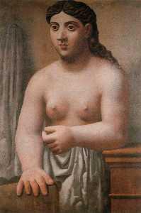 Mujer desnuda de pie