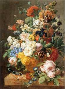 bouquet di fiori come  Un  scolpito  vaso