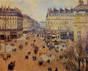 Place du Theatre Francais: Afternoon Sun in Winter